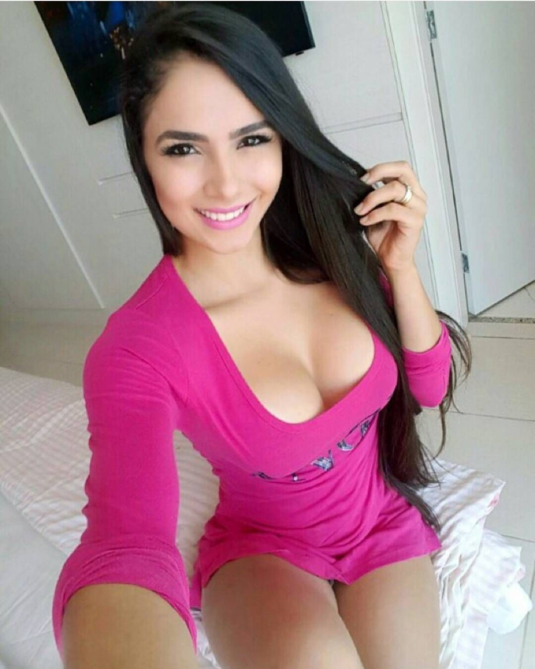 Hermosa Colombiana Jjr 19 Go Follow