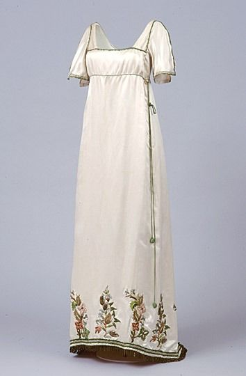 Evening dress ca. 1913 via The Brighton & Hove Museums