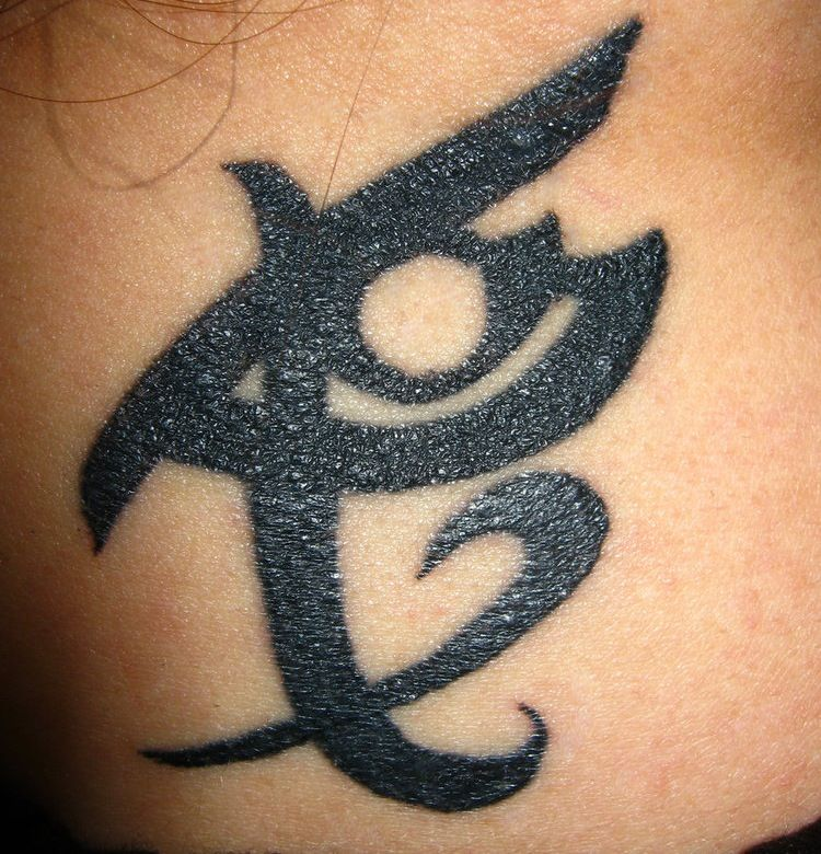 Ruins Symbol Meaning Courage In Combat Tattoos And Piercings
