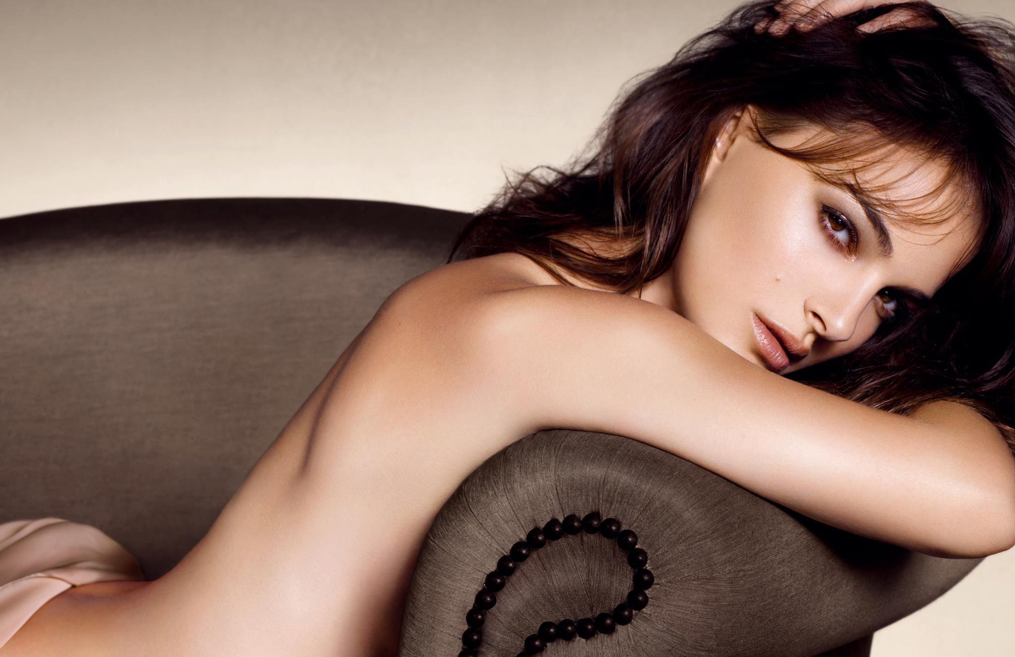 Skinny naked asian girls pussy