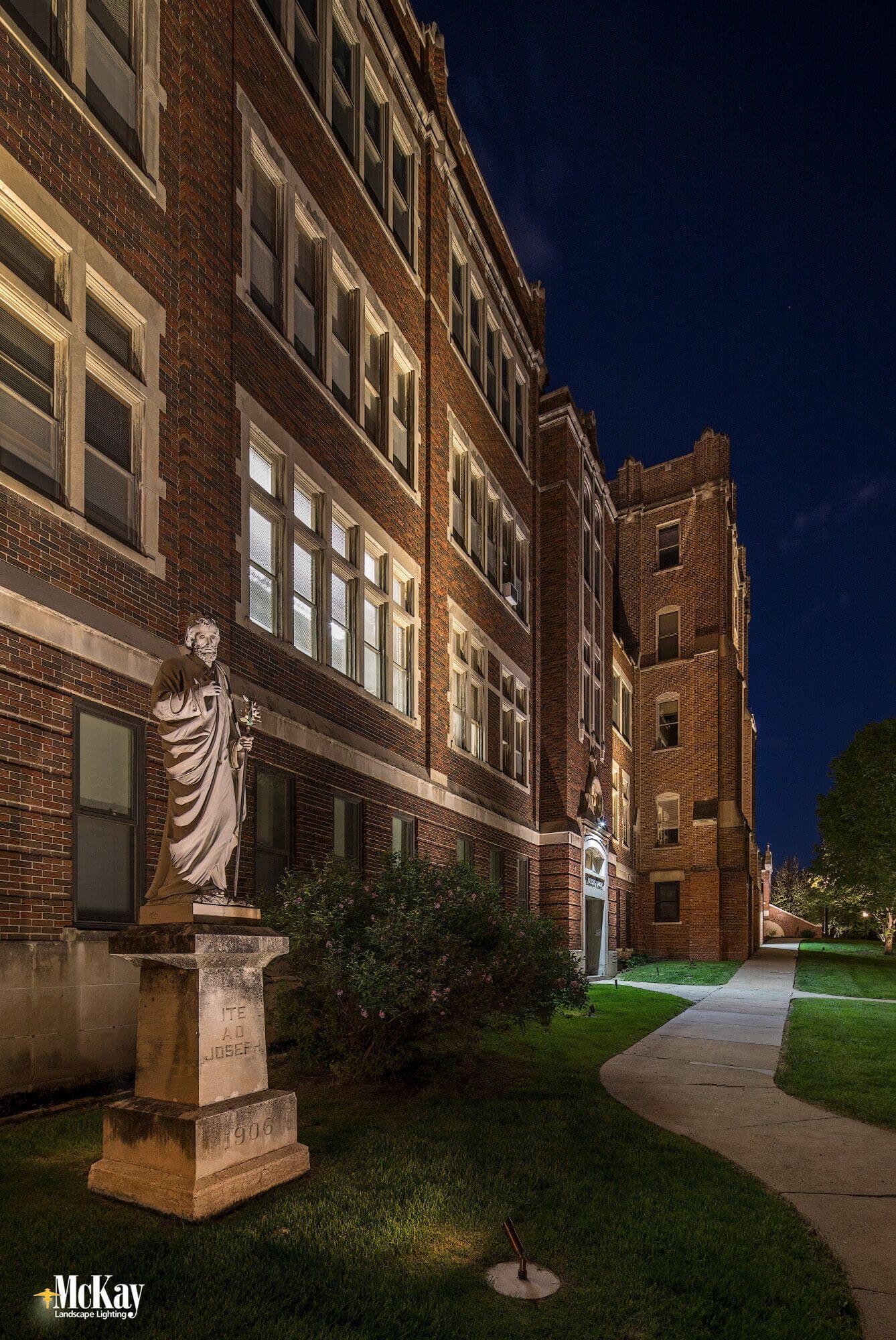 Statue Lighting School Campus Outdoor Landscape Lighting Exterior Lighting Design Landscape Lighting Design