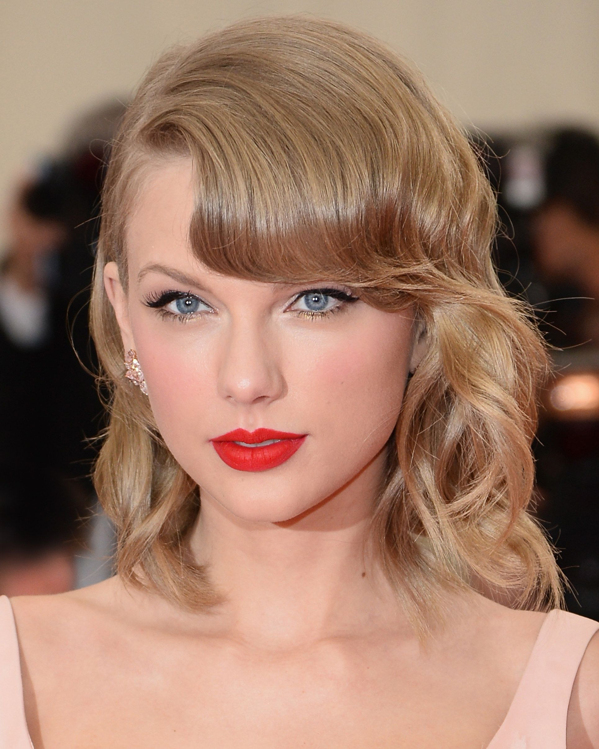 The 25 Best Beauty Trends Of All Time Taylor Swift Makeup Beauty Taylor Swift