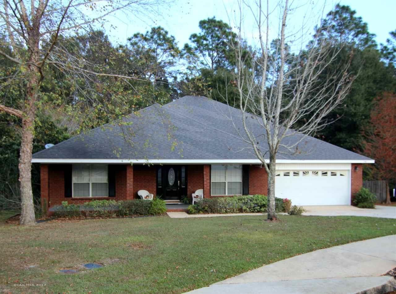 Looking For A 5 Bedroom Home In Daphne We Have One Take A Look At This Great Home Close To Local Schools Park Garden Tub Custom Tile Shower Custom Built Ins