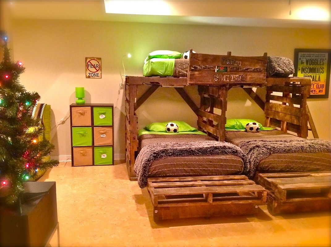 Pallet bedroom furniture plans - Same Concept I Want For Raised Bed In Playroom For Garage For Riding Toys