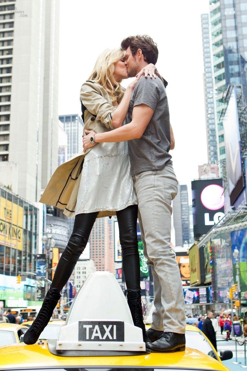 nada como beijar em um taxi