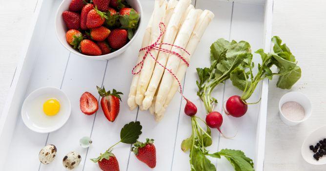 Thüringen ist bekannt für Spargel und Erdbeeren. Was @meetawflh daraus macht, erfahrt ihr in unserem Thüringer Foodblog #herzenswärmer
