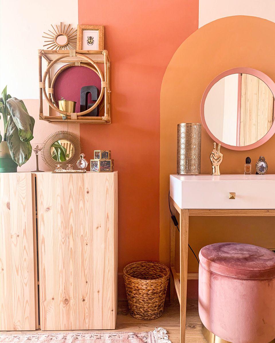 Colour Blocking In A Dressing Room Colour Blocking Interior Interior Design Aesthetic Rooms