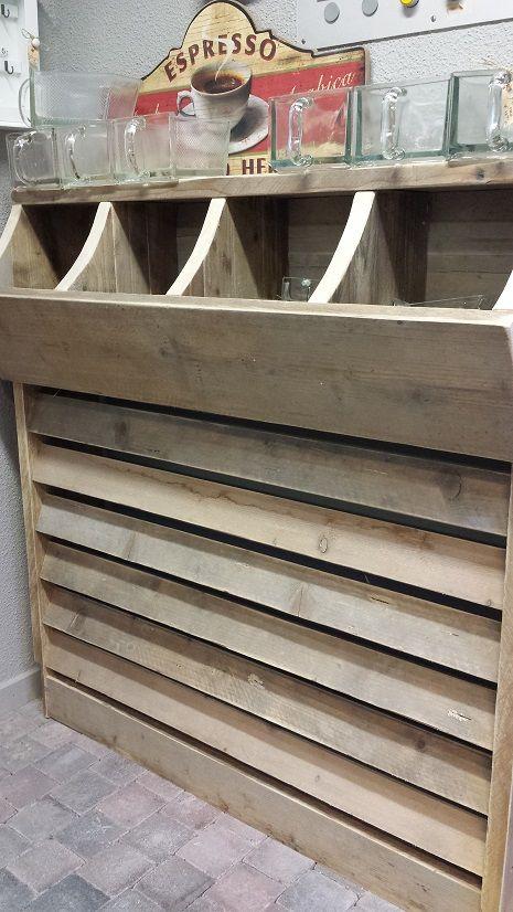 Radiator-Ombouw van steigerhout met opbergbakken