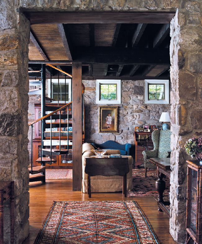 Interior Designer Lyn Peterson Sets Things Straight In A 19th Century Carriage  House   Connecticut