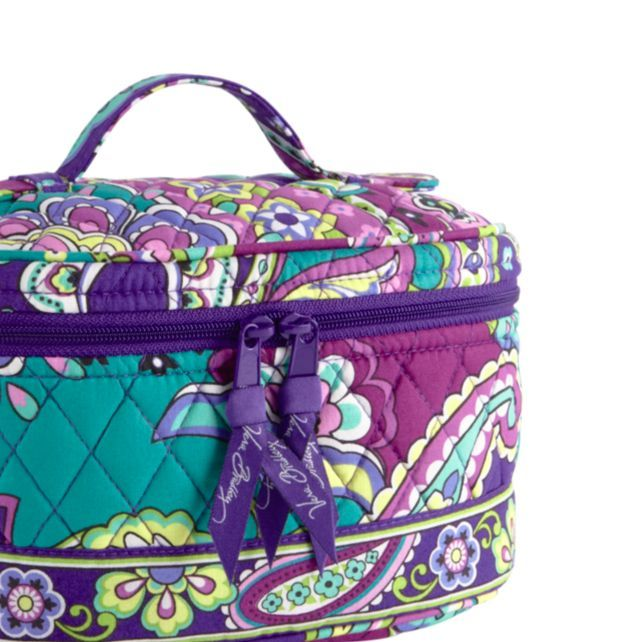 Vera Bradley Makeup Bag With Cute Designs Like This Your Will Look Almost As You Do Mysuitesetupsweepstakes