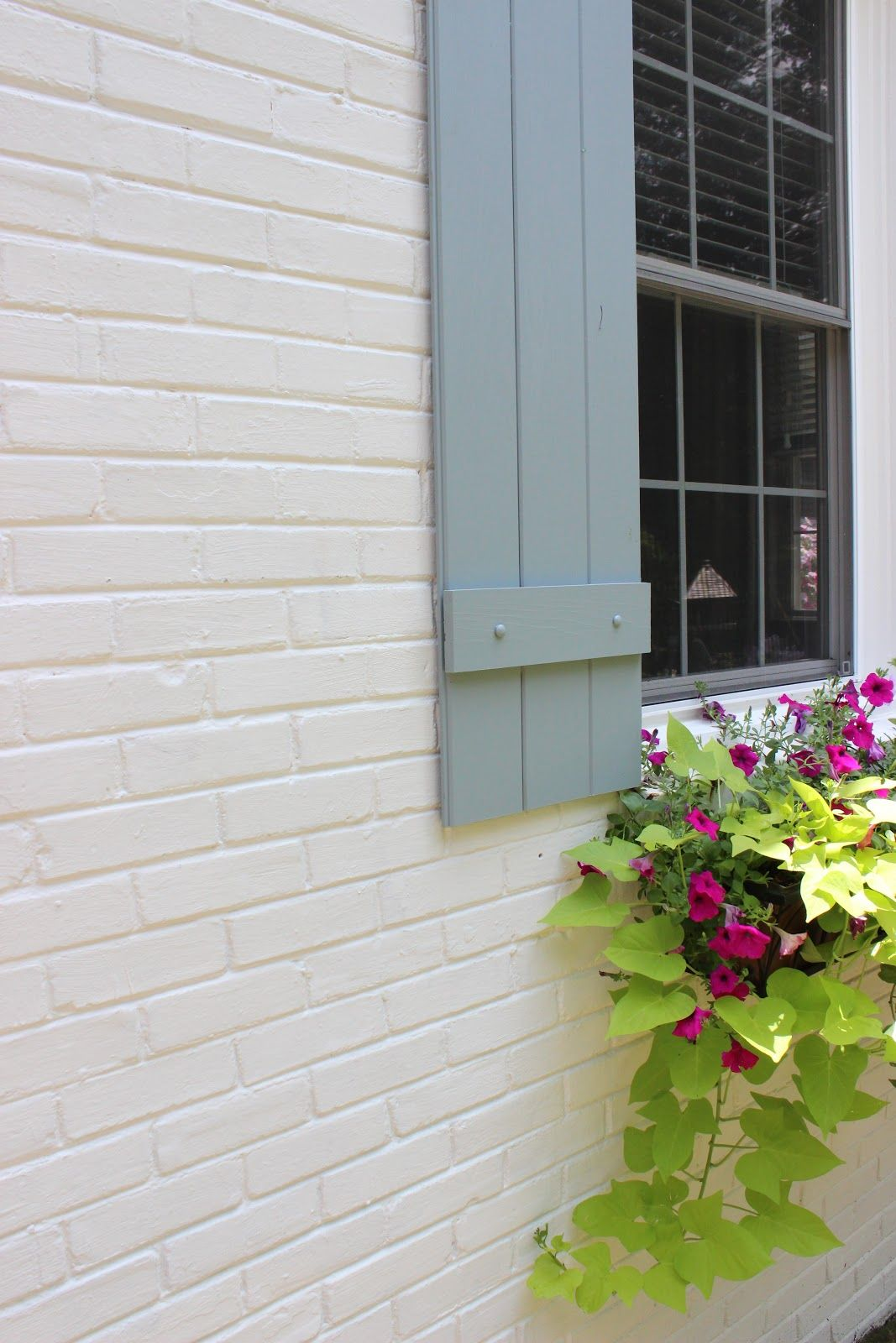 More of the home refresh paint colors shutter colors - Exterior paint colors benjamin moore ...