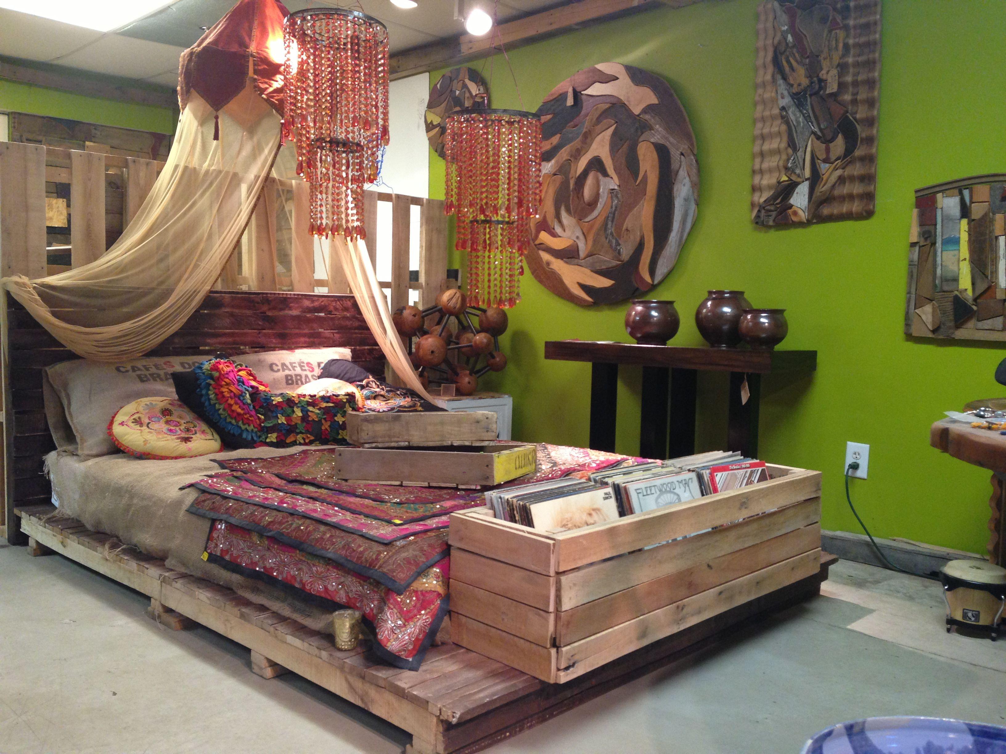 Pallet Queen Platform Bed | Pallet furniture designs, Diy ... on Bed Pallet Design  id=99091