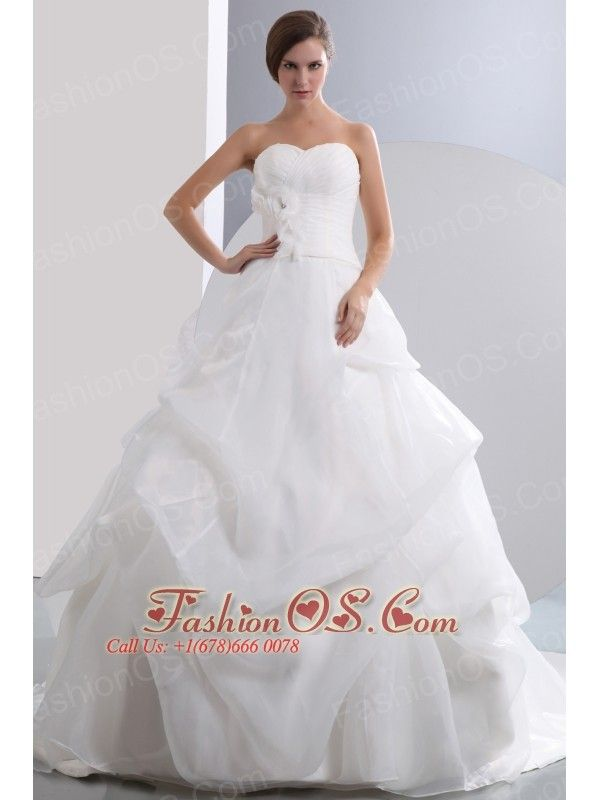 Beautiful A-line Sweetheart Low Cost Wedding Dress Chapel Train Taffeta and Organza Ruch and Hand Made Flowers  http://www.fashionos.com  http://www.facebook.com/fashionos.us  This is a striking wedding gown.The slim ruching waist show off the flirty of the asymmetrically ruched bust while the three-dimensional flowers on it create a sophisticated look for the dress.This gown has a defined waist. The skirt is full with bustled details and a pronounced A-line shape.