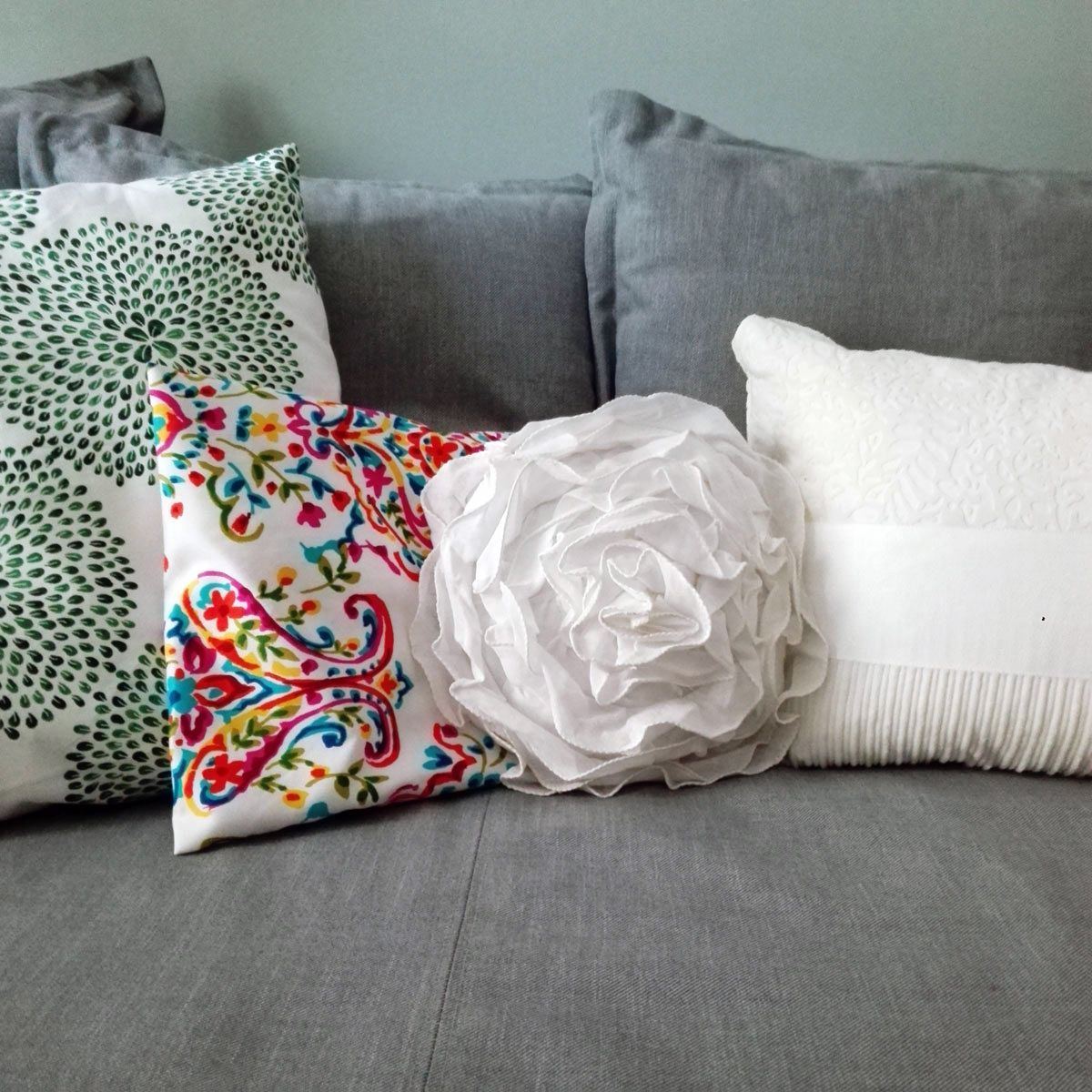 Cuscini sul divano casa facilerrima pinterest detail - Sesso sfrenato sul divano ...
