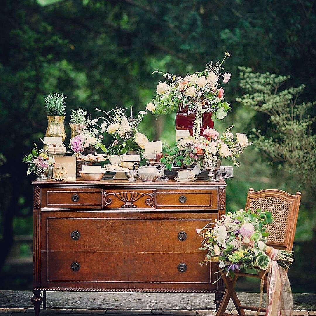 Xq mesas llenas de dulces en medio del campo siempre es bien   #ideasboda #sweettable #decoracion #dulces #weddingplanning  #weddingdeco #bodasdecampo #tartas #weddingideas #lasrozas #cakes #mesadulce #decoracionbodas #primavera #countryweddings #majadahonda #weddingdecorations #cupcakes #spring #weddingplannermadrid #pozuelo #buenosdias #jueves #weddingplanners #Alamango #Bridal #Textiles #Wedding #AlamangoBridal #AlamangoTextiles #Malta #LoveMalta #Bridesmaid #WeddingDress