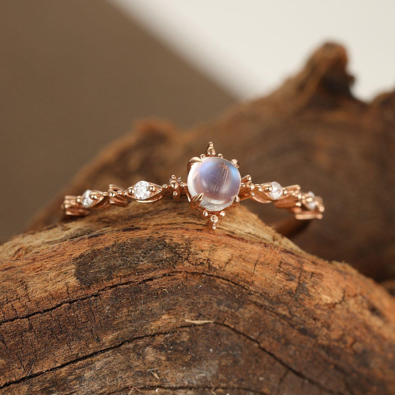 Photo of Mondstein Verlobungsring Vintage gelb gold Diamant Cluster Ring für Frauen einzigartige einfache zierliche Hochzeit Braut versprechen Jahrestagsgeschenk