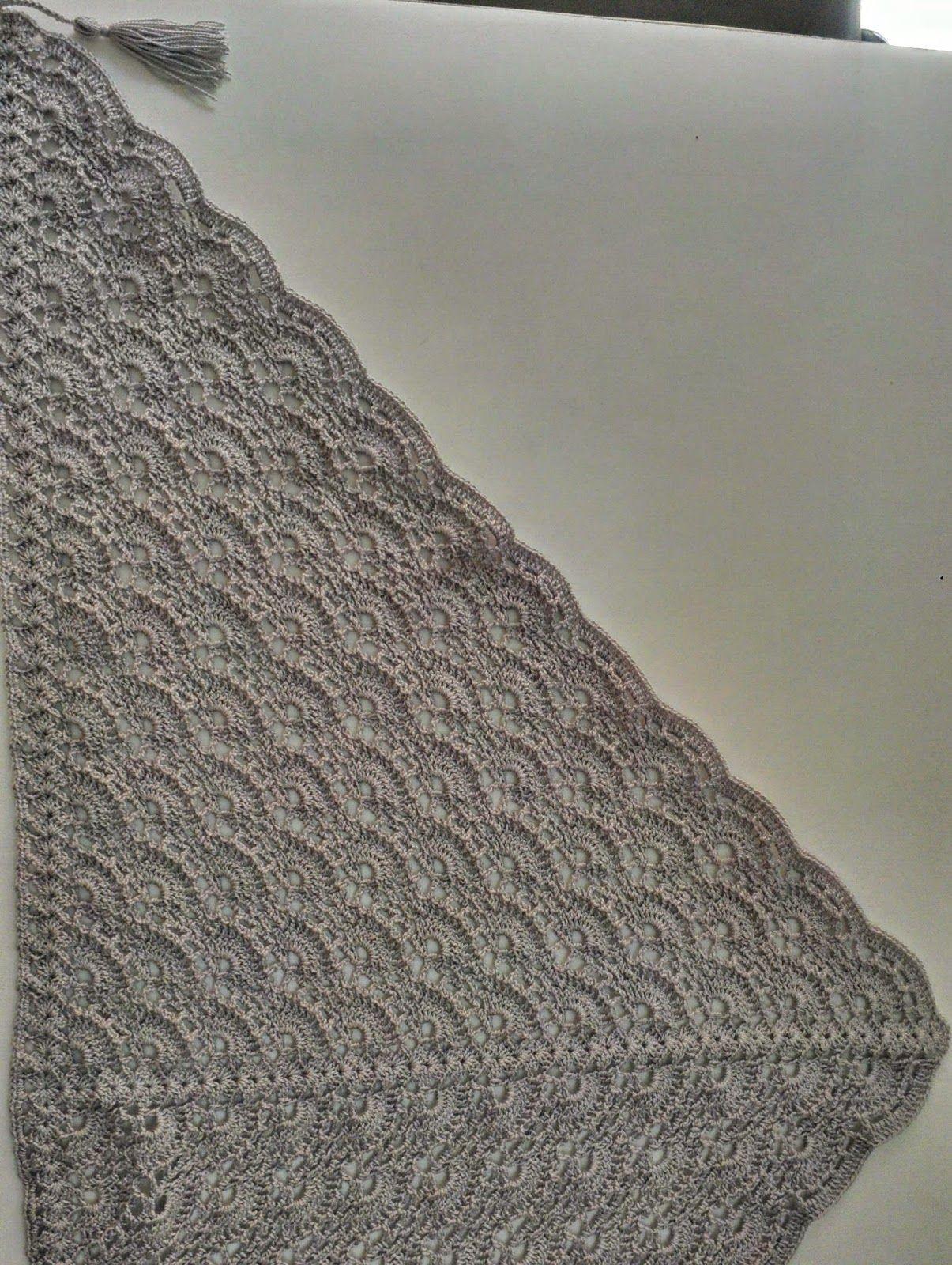 Tia Bones, hilando ideas: Chal triangular al Crochet (con patron ...