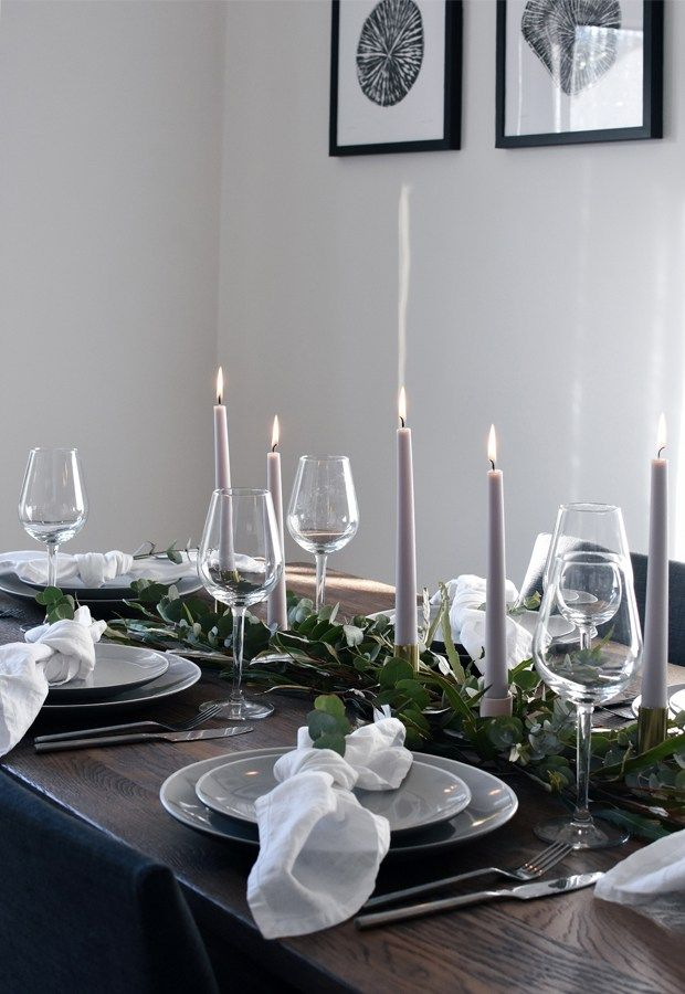 Simple Christmas table styling   These Four Walls #nytårbordpynt