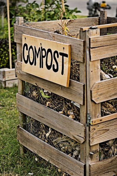 How To Make Great Compost For A Great Garden  The Simple Secrets! is part of Garden compost, Garden projects, Veggie garden, Pallet projects garden, Compost, Pallet garden - Nothing can quite power a garden and flower beds like compost! Learn the simple secrets to make great compost in your backyard this year!