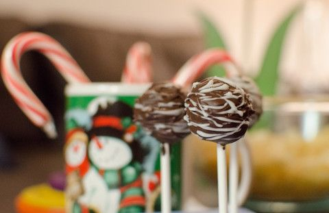 Meine weihnachtlichen Cake-Pops inklusive Rezept auf diet-icious.com.