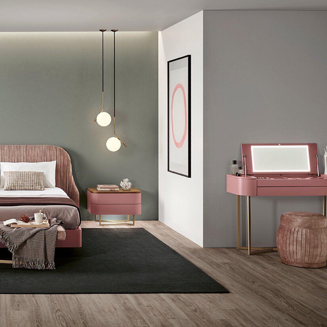 """Sari Mobiliário on Instagram: """"Privilegie o bom gosto no seu espaço de descanso! #sarimobiliario #interioresportugal #interiores #simpledecor #designhome #furniture…"""""""