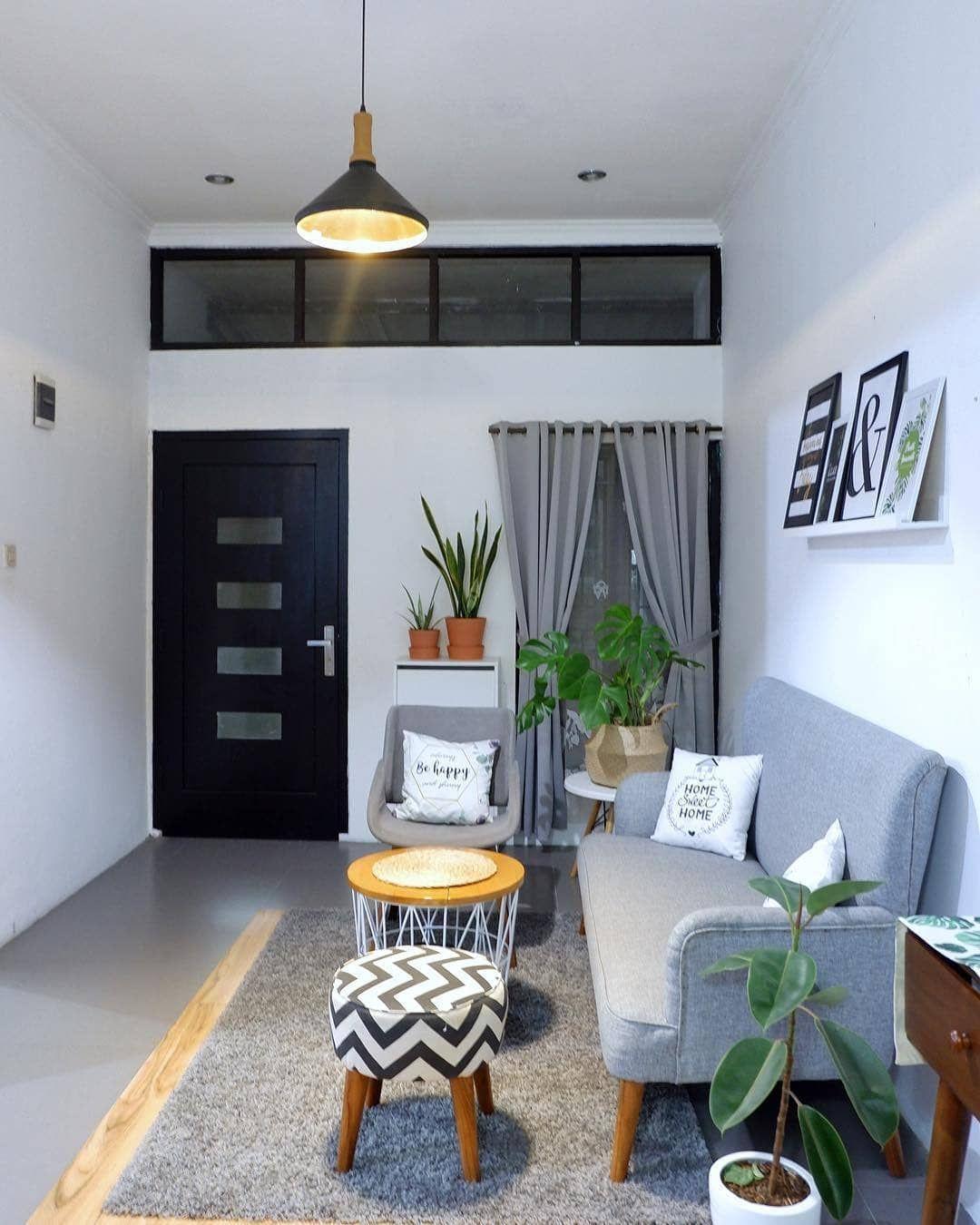 Desain ruang tamu minimalis. Pemberian cat berwarna putih ...