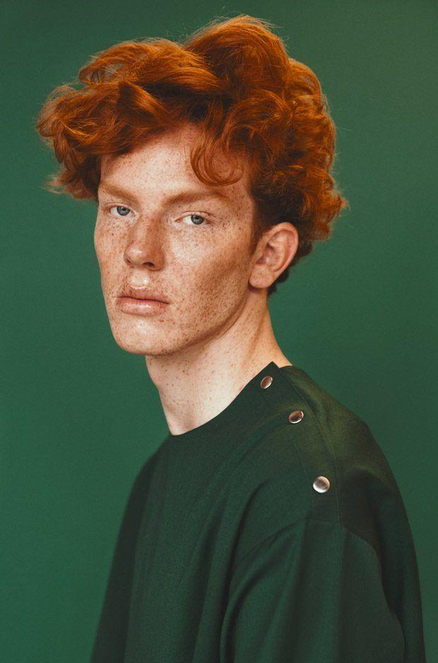 PORTRAITS MMSCENE: William avec dans la lumière verte par Tony Ottosson   – Moodboard