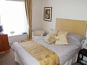 Tides Reach Guest house offers quality rooms and a superb breakfast.