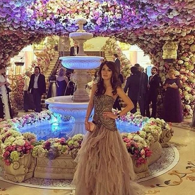 World S Most Expensive And Luxurious Wedding Of Russian Billionaire Digi Dunia Extravagant Wedding Wedding Expenses Luxury Wedding