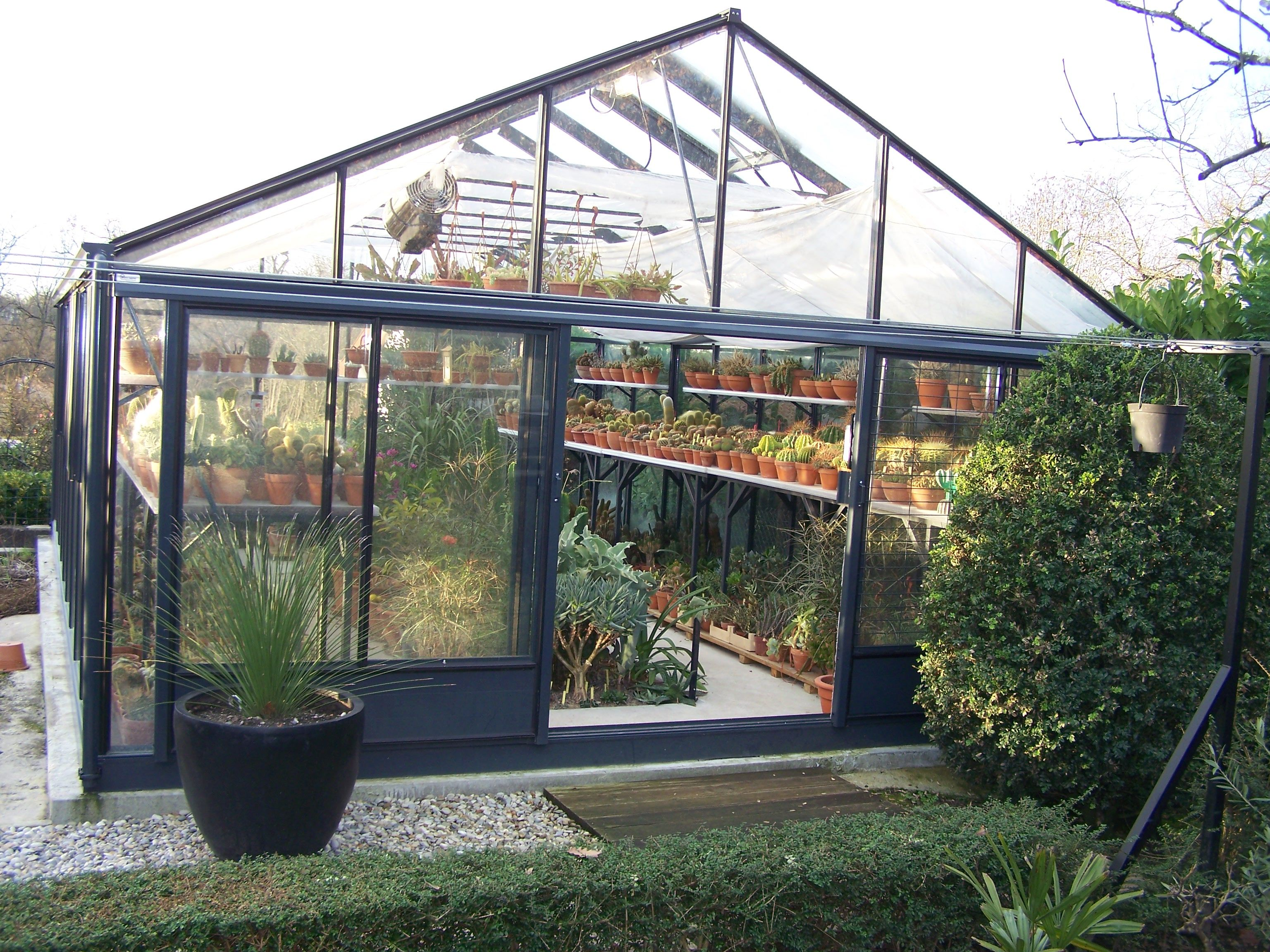 serre euro plus serres aluminium verre polycarbonate pinterest serre en verre serre. Black Bedroom Furniture Sets. Home Design Ideas