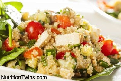 Quinoa Greek Salad | Easy, healthy and delish! NutritionTwins.com