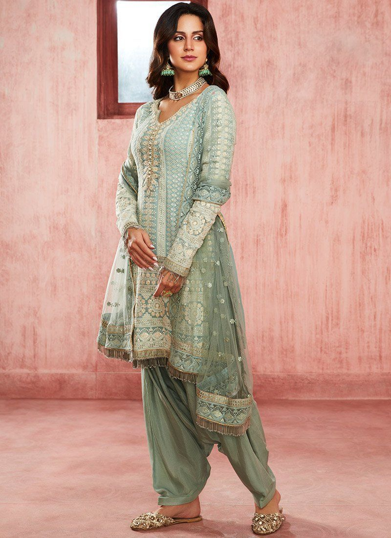 Dusty Blue Embroidered Georgette Punjabi Suit– Lashkaraa suit Dusty Blue Embroidered Georgette Punjabi Suit