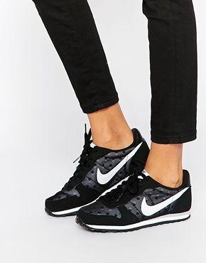 more photos 7d2ba 9c512 Nike Black  White Genicco Trainers