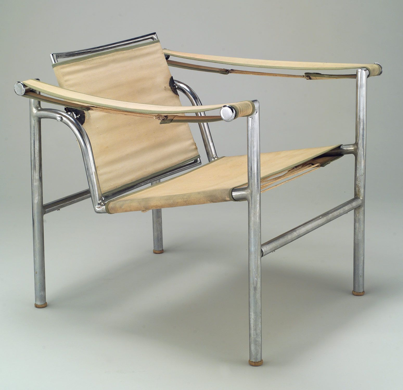 Le Industrial Design siège à dossier basculant armchair model b 301 designer le