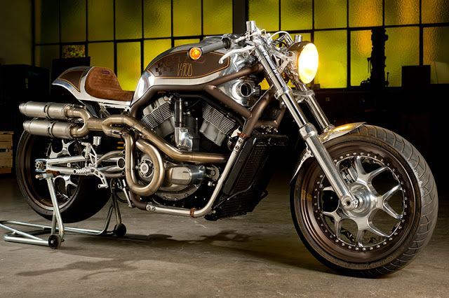 Harley Davidson V-Rod By Dr. Mechanik