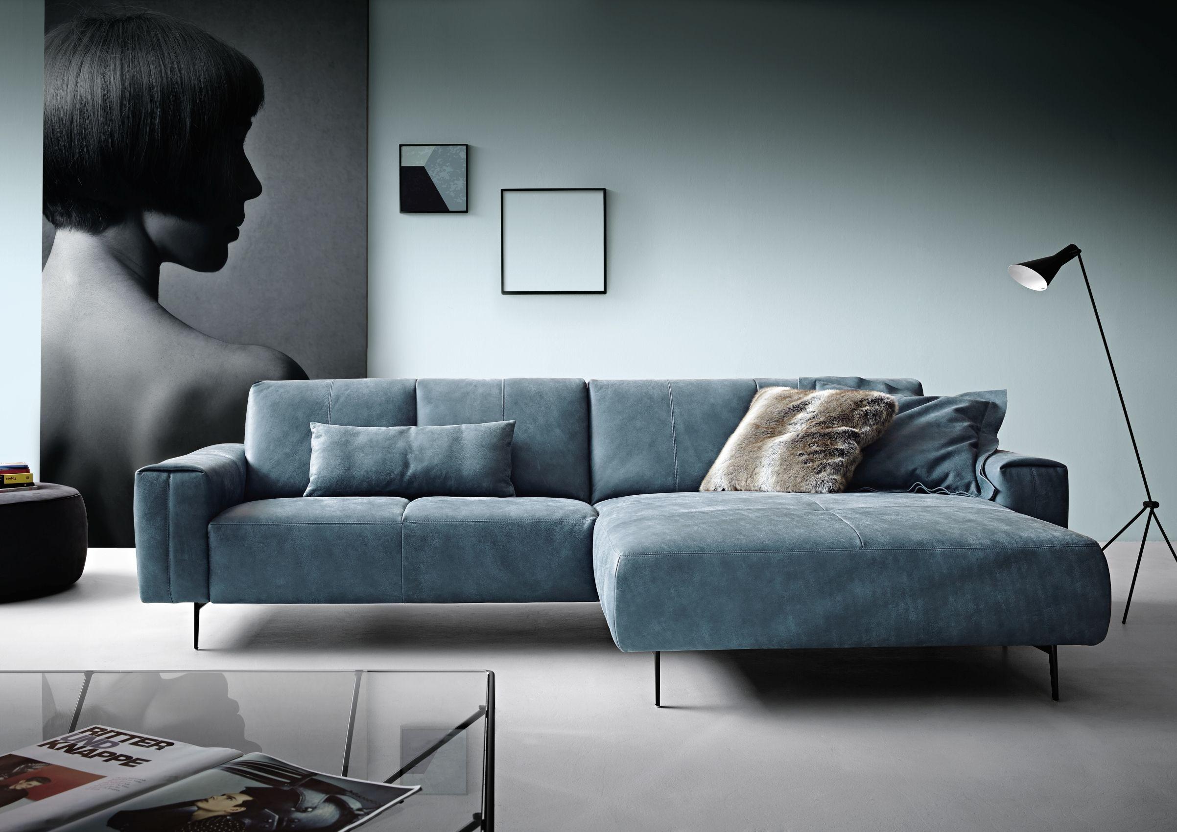 Leichtigkeit Neu Gedacht Trendsofa Von Koinor Sofa Turkis Sofa Wohnzimmer Gemutlich