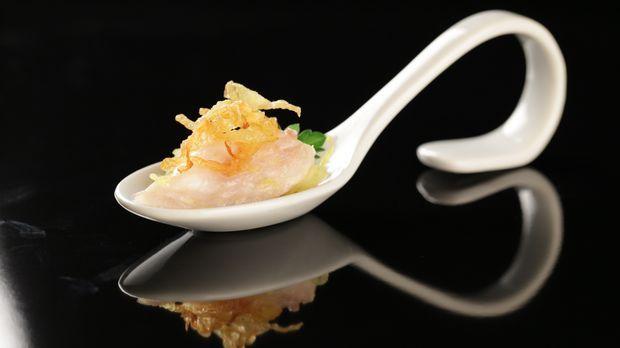 Ostsee-Schnäpel auf Orangen-Spitzkohl und knusprigem Kartoffelstroh - The Taste - Sat.1