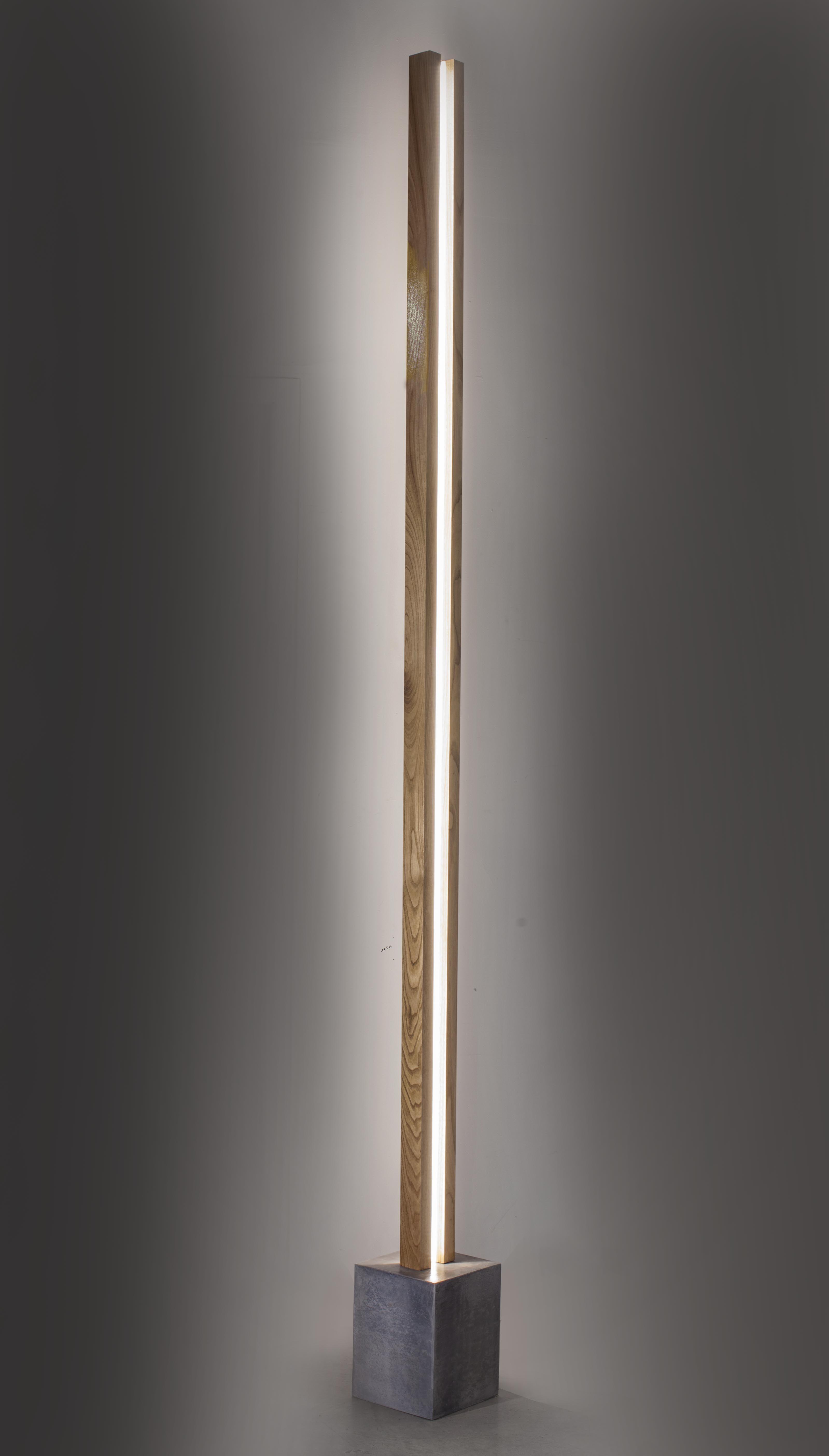 The Lubois : a floor lamp with a clear LED light strip ...