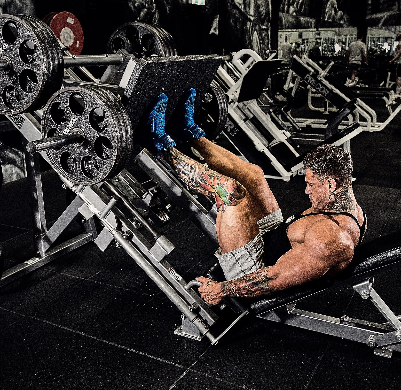 You Can Only Be Legendary After Leg Day Chris Webb In An All Iron Setup Putting In The Ho Muscle Building Workouts Core Workout Videos Good Back Workouts