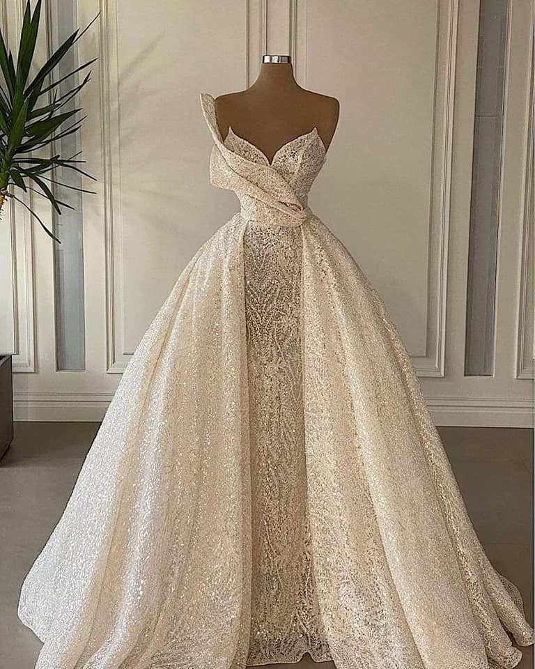 17 Espectaculares vestidos de novia para chicas que buscan diseños diferentes