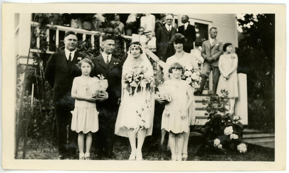 1929 Photo OR Oregon Scotts Mills Rich - Beale Wedding Party Group People #3