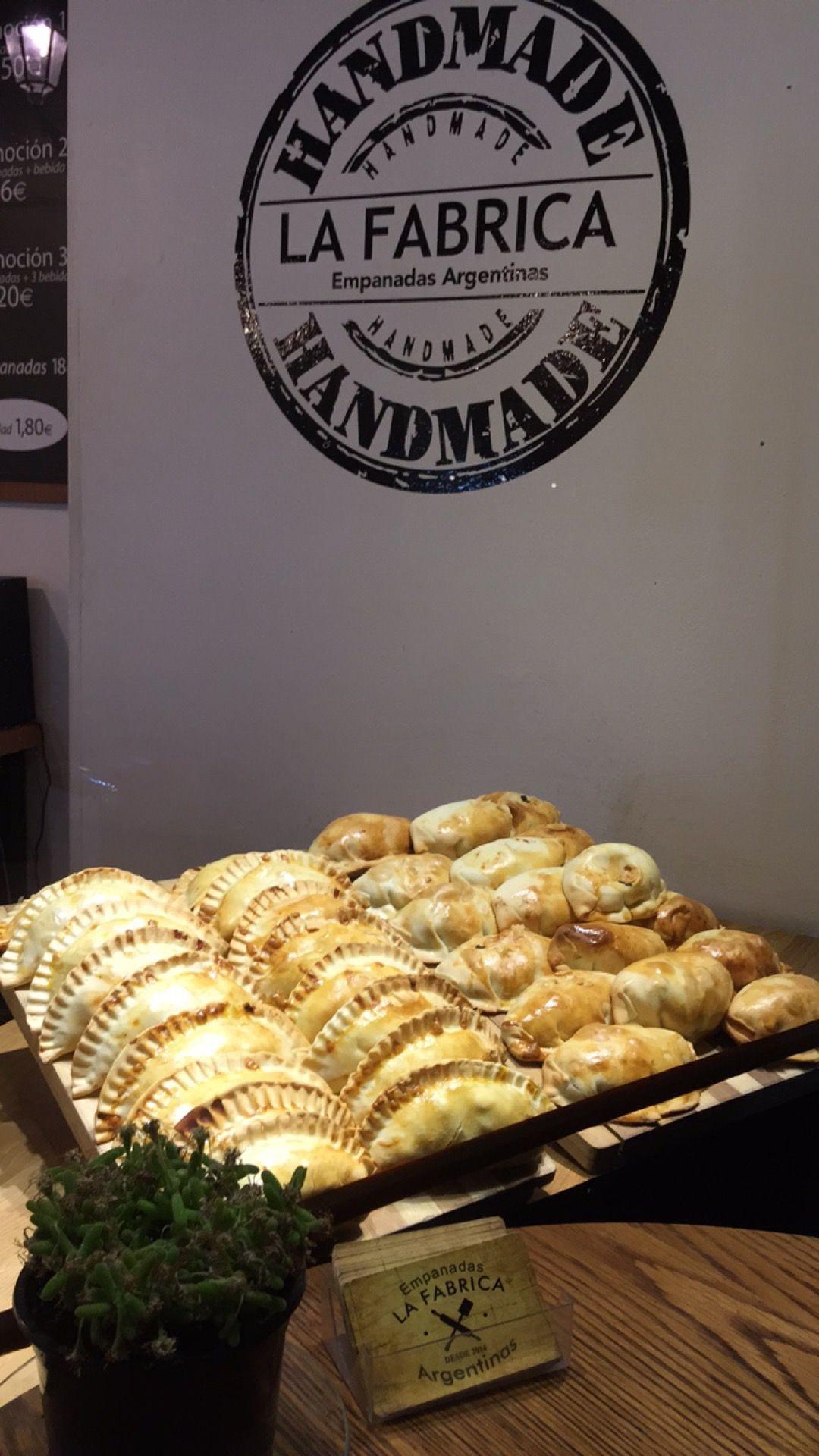 Empanadas Argentinas From La Fabrica Barcelona Spain Photo By Helena Carreras Ideas De Comida Panaderías Cosas De Cocina