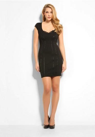 uk availability 96e9c cdf12 Guess Abbigliamento presenta 15 Abiti seducenti per la ...
