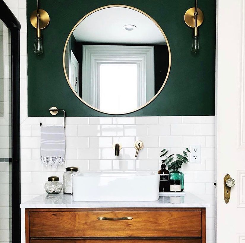 Alison Kist Interiors On Instagram Hey Guys It S Tuesday And We Ve Got Another Trimtreasures Feature Bathroom Style Green Bathroom Bathroom Inspiration