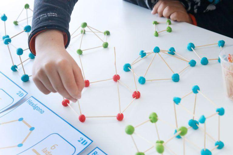 Construyendo Formas Geometricas Ensino De Matemática Geometria Atividades De Arte