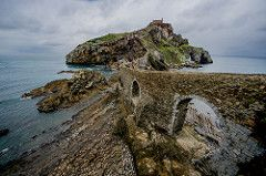 San Juan De Gaztelugatxe Filming Location For Dragonstone From Hbo S Game Of Thrones Places In Spain Filming Locations Game Of Thrones Locations