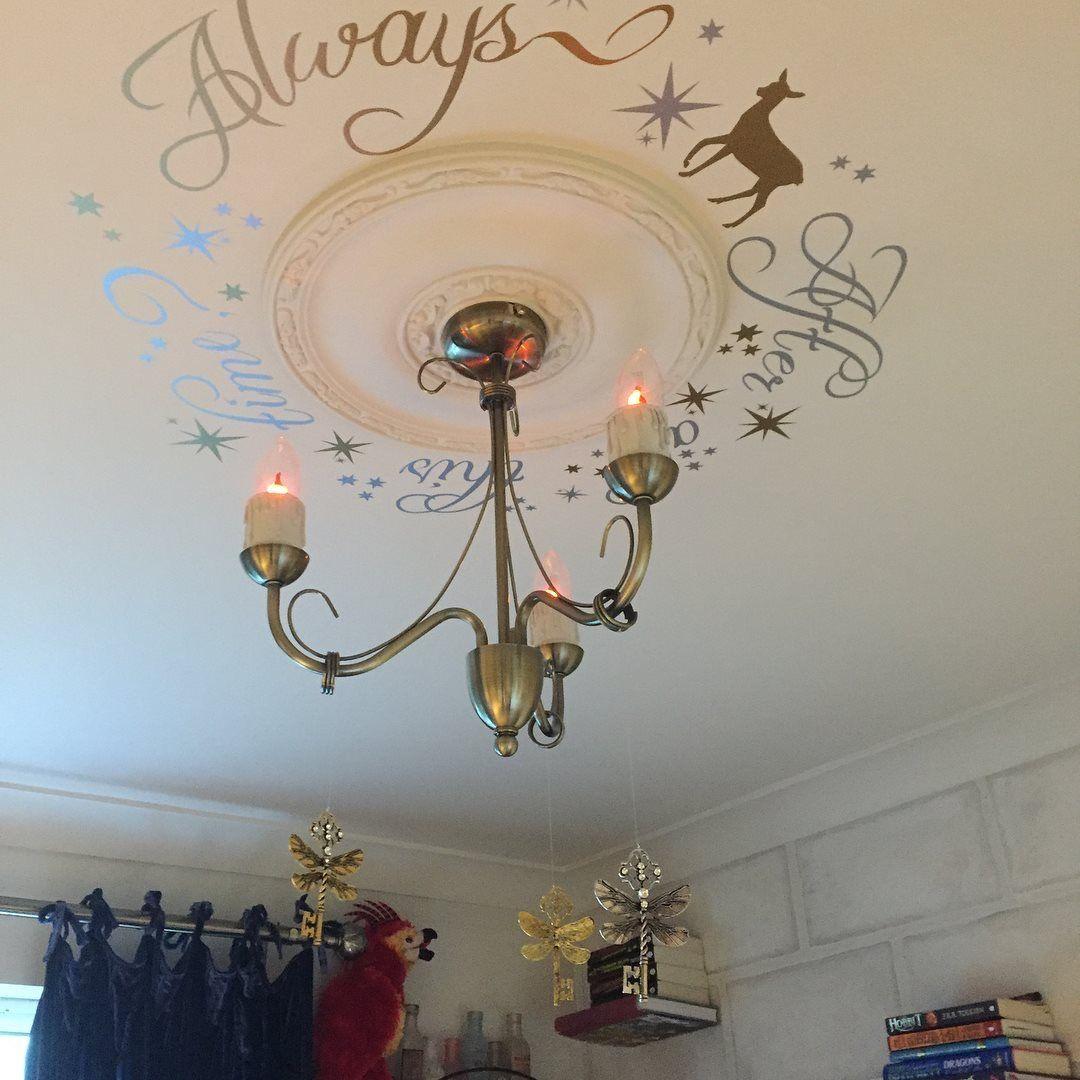 100% authentic c7383 9d205 Harry Potter Hogwarts style bedroom Flying keys | Harry ...
