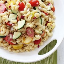 Summer Macaroni Salad with Tomatoes and Zucchini- a delicious and healthy salad that's perfect for summer barbecues.