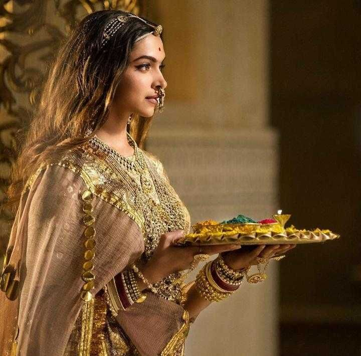 Deepika Padukone in Padmaavat (2018)   Deepika padukone ...