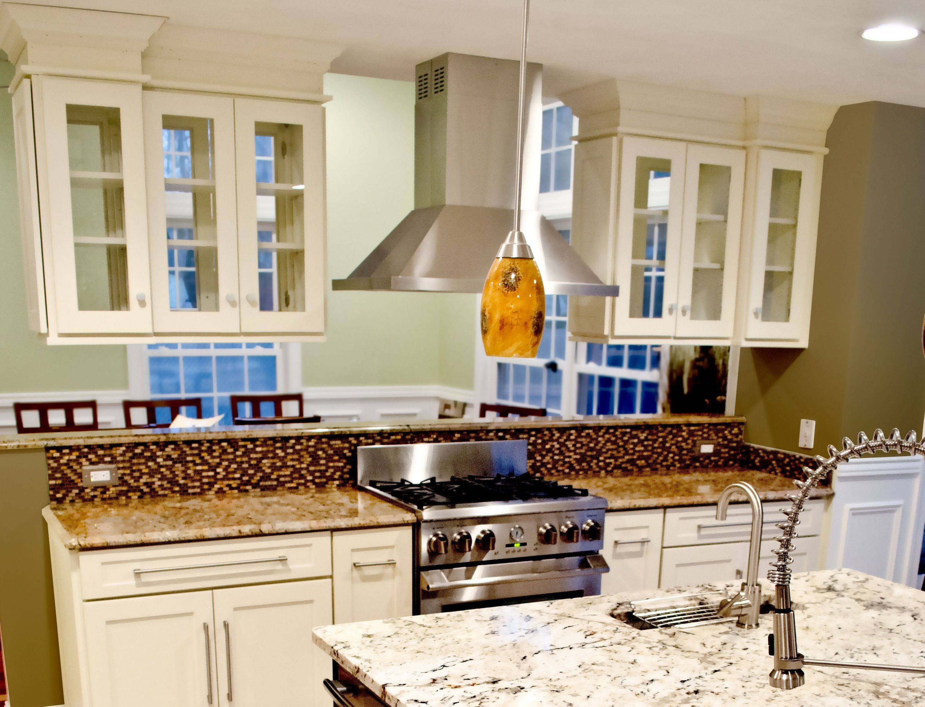 Transforming Your Design With A Kitchen Peninsula Upper Kitchen Cabinets Kitchen Peninsula Glass Kitchen Cabinet Doors